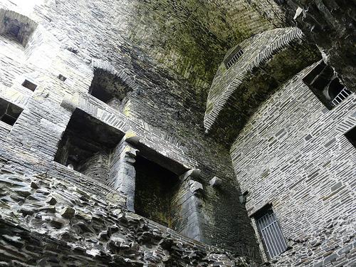 Carrjgafoyle Castle photos