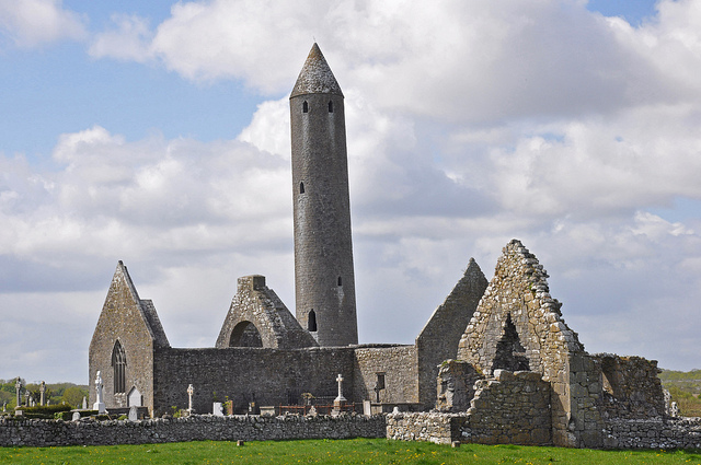Kilmacduagh Monastery and Round Tower